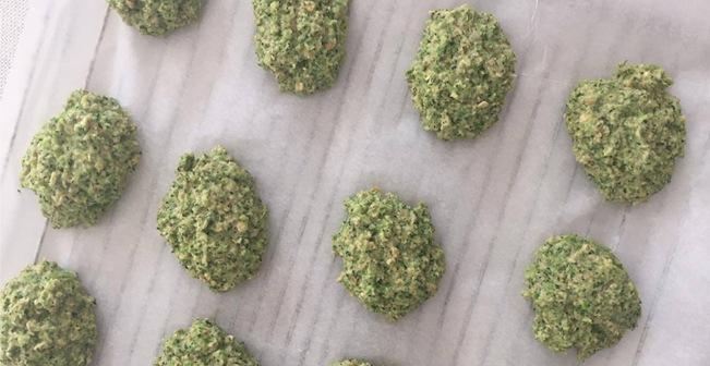 opskrift-broccoli-boller-bagning