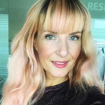 makeupartist-ulla-glud